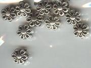 Metaalkraal Antiek Silver bloem 7x5mm x 10