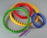 Knifty knitter 21-0100 Breiring set 4 ringen met haak